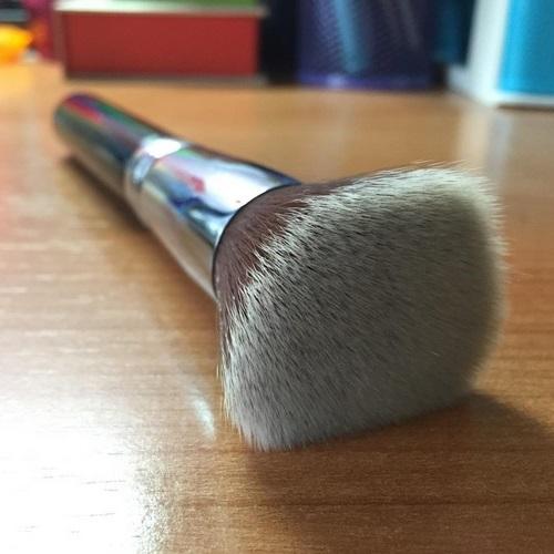 Brocha de maquillaje Sigma F80