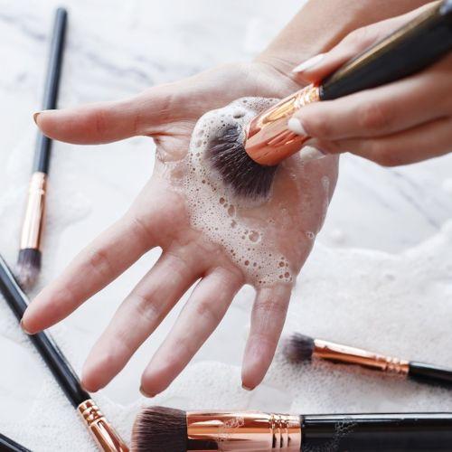limpiador de brochas de maquillaje